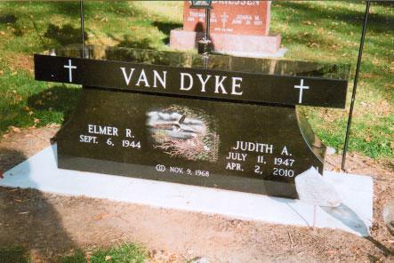 Bench 9 - VanDyke