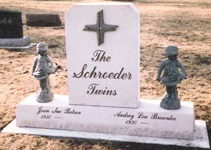 Bronze 11 - Schroeder Twins