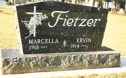 Standard Monument 12 - Fietzer