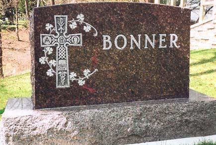 Standard Monument 13 - Bonner